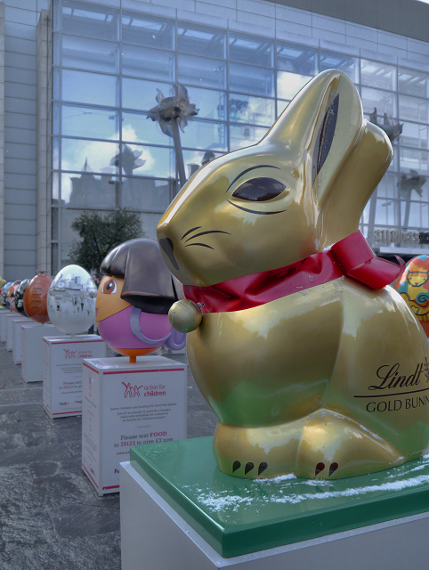 Gold Bunny and Easter Eggs, Exchange Square