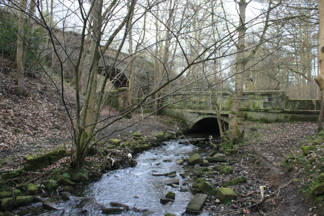 Springs Road Bridges, Guiseley