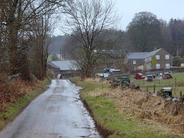 Approaching Woodside Farm