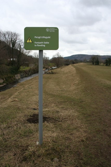 Footpath liable to flooding
