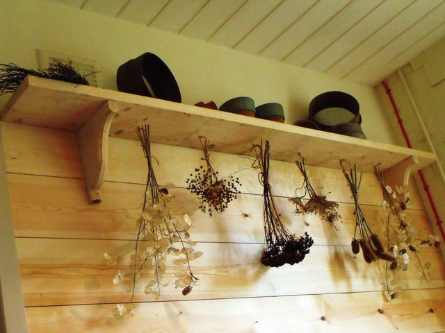 Hung dried flowers, Standen