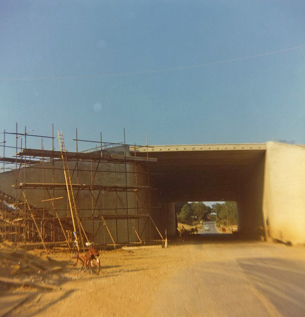 Newly constructed bridge in Fontley Road