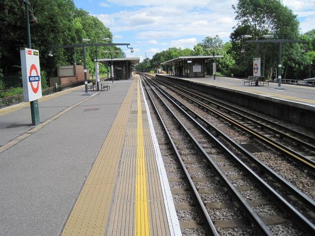 Moor Park Underground station, Hertfordshire