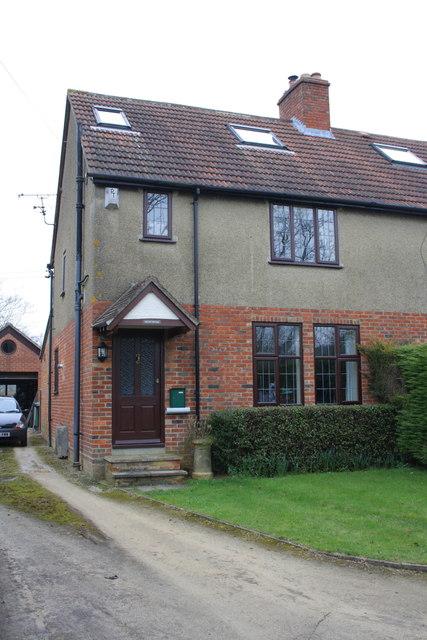 Cheyn Cottage, Fox Lane