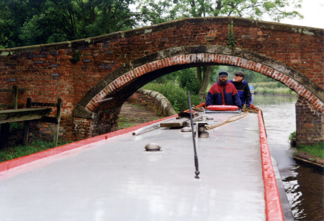 Milford Bridge 105, Staffordshire and Worcester Canal
