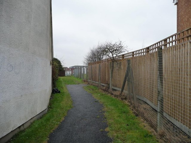 Public footpath to Whitefield Road