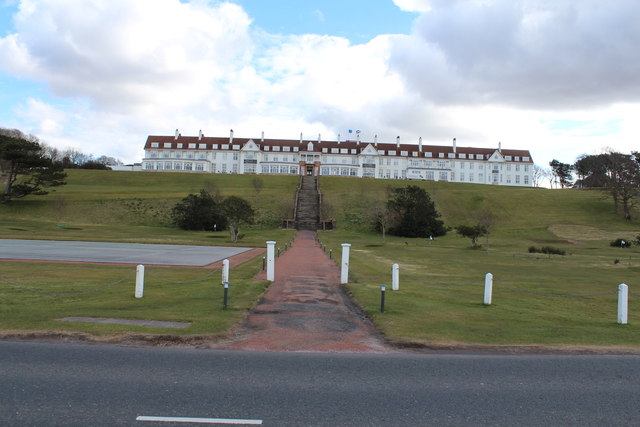 Path to Turnberry Hotel