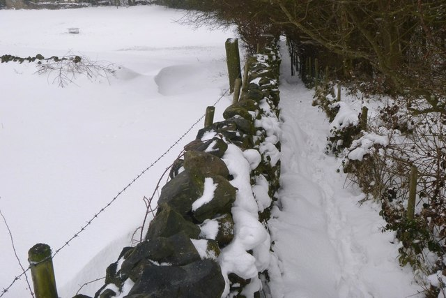 Footpath to The Old Cornmill from Eldwick Hall