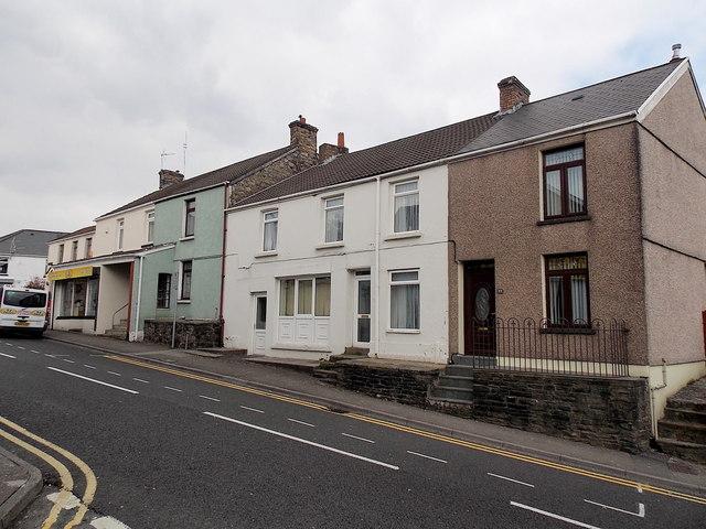 Bridgend Road houses, Aberkenfig