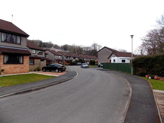 Riverside houses, Aberkenfig
