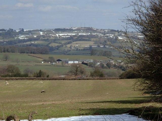 Fields and views near Field Farm