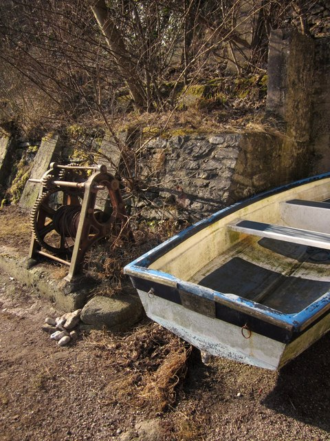 Windlass and boat, Babbacombe Beach