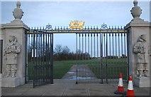 TQ7668 : Main gates, Chatham Naval Memorial by N Chadwick