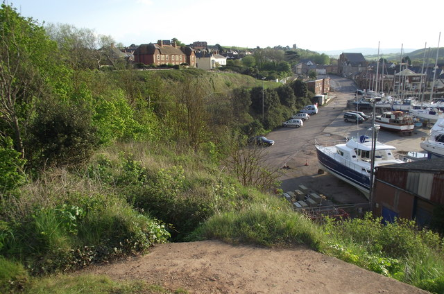 Between the East Quay and the railway embankment