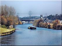 """SE4824 : The barge """"Wheldale"""" heading upstream by derek dye"""