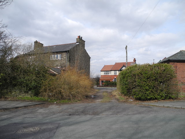 Unnamed short cut, between Gorsey Lane and Kings Road