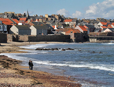 NT6878 : The beach at Dunbar by Walter Baxter