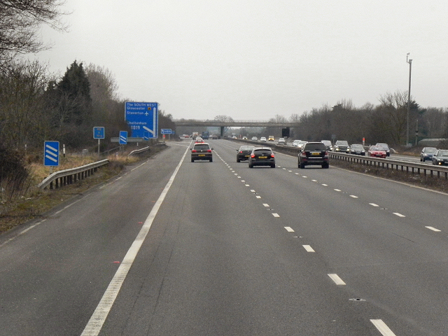 Southbound M5 approaching Junction 10