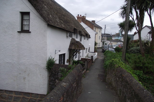 Mill Street thatched cottages from the packhorse bridge