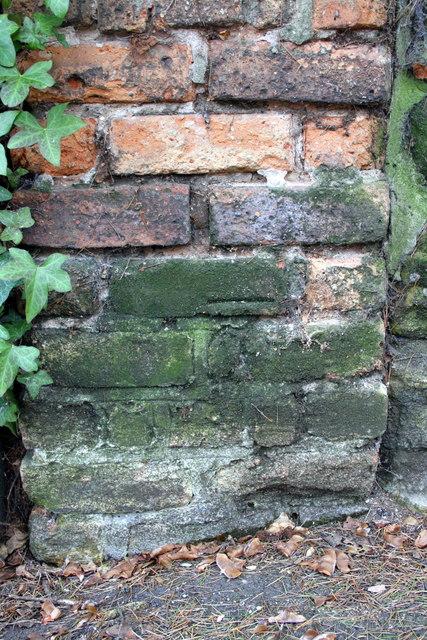 Benchmark on wall pier at Burnham House, Elm Bank
