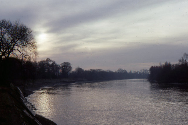 Thames towpath, winter sunset