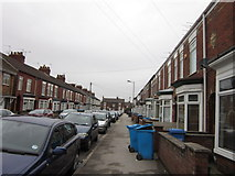 TA0831 : Lambton Street off Newland Avenue, Hull by Ian S