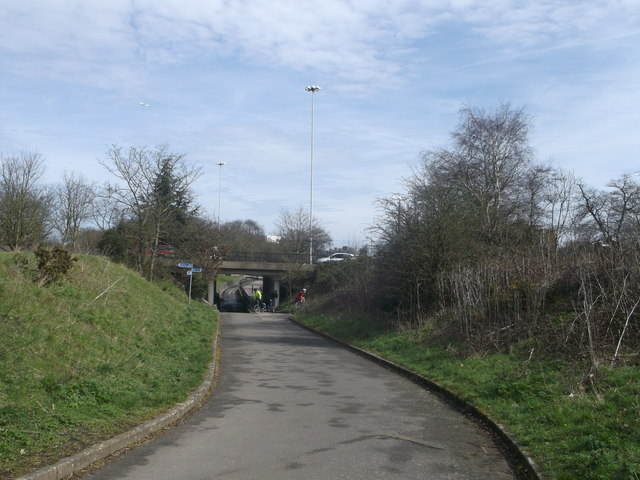 Cyclepath towards Tibbet's Corner