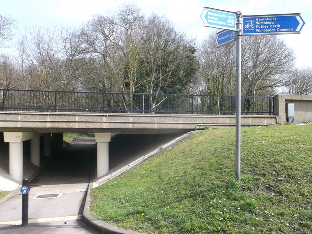 Cyclepath junction at Tibbets Corner