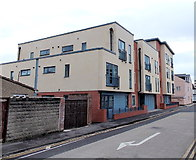 SU1585 : Recently-built flats, Aylesbury Street, Swindon by Jaggery