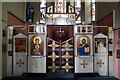TQ3186 : St Thomas, Finsbury Park - Iconostasis by John Salmon
