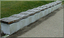NS5566 : A wavy bench by Thomas Nugent