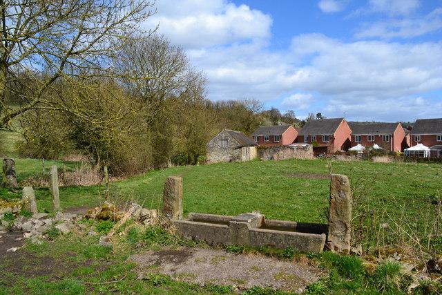 Trough and barn at Warmbrook