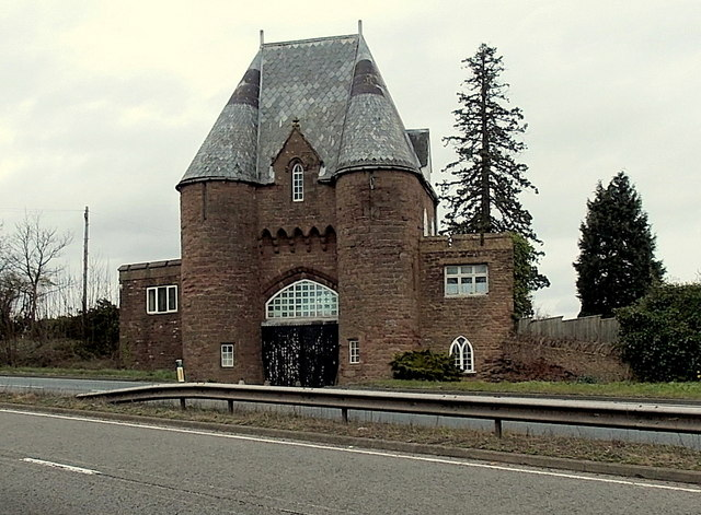 South side of Grade II listed former gatehouse, Pencraig