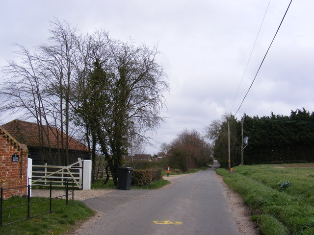 Redgrave Road & entrance to The Grove