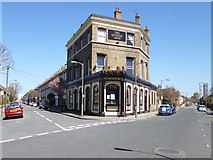 TQ2875 : Battersea, The Queens Arms by Mike Faherty