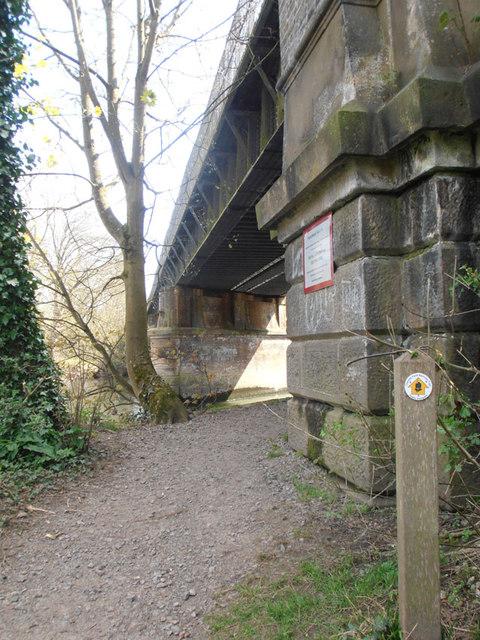 Railway bridge & Thames Path