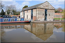 SO9969 : Converted building at Tardebigge by Philip Halling