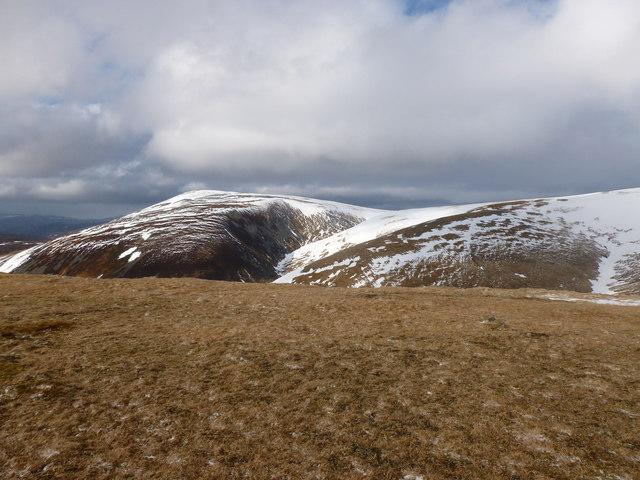 Flat mossy area on Sron na Gaoithe ('windy ridge')