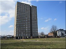 NS5565 : Tower block, Kintra Street by Richard Webb