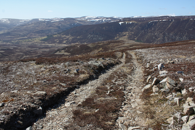 Track west of Glas Coire