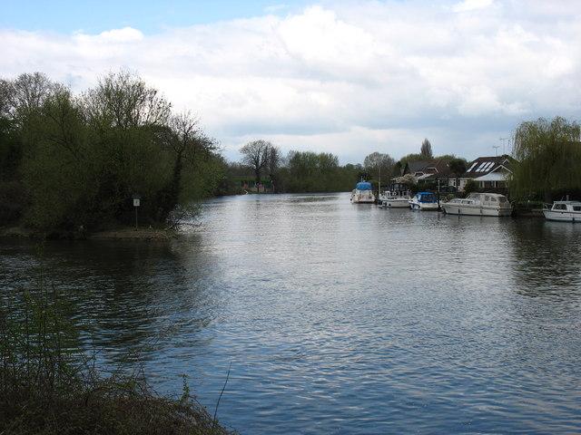 The River Thames at Desborough Island
