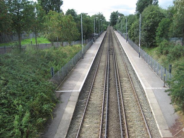 Overpool railway station, Cheshire
