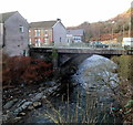 ST0690 : Pwllgwaun Road river bridge, Pontypridd by Jaggery