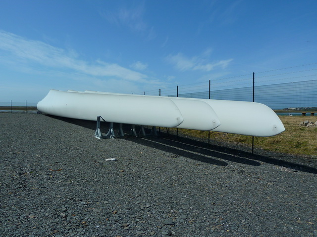 Spare set of blades for a wind turbine at DONG Walney Island