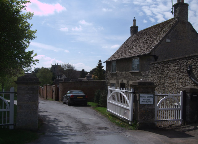 Lodge and gatepiers to Stanton House, Stanton Fitzwarren