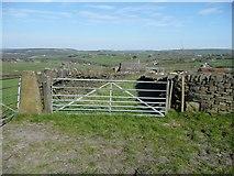 SE0120 : Field gate on Ripponden Footpath 10 near Far Slack by Humphrey Bolton