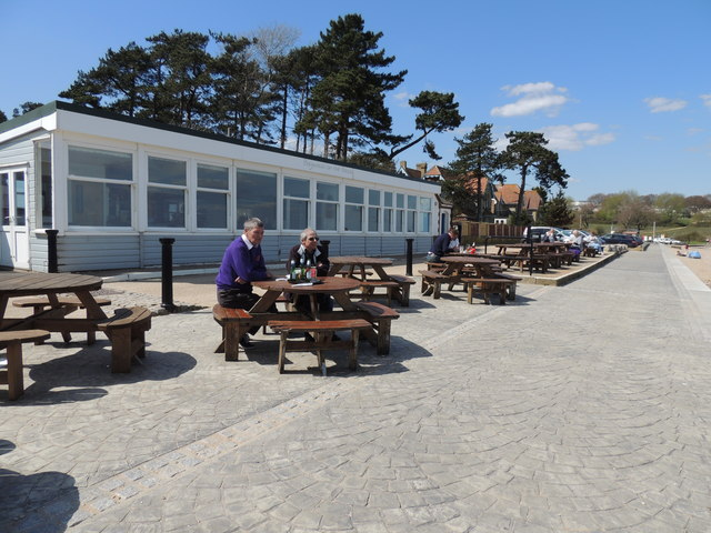 Baywatch Cafe - Bembridge Harbour
