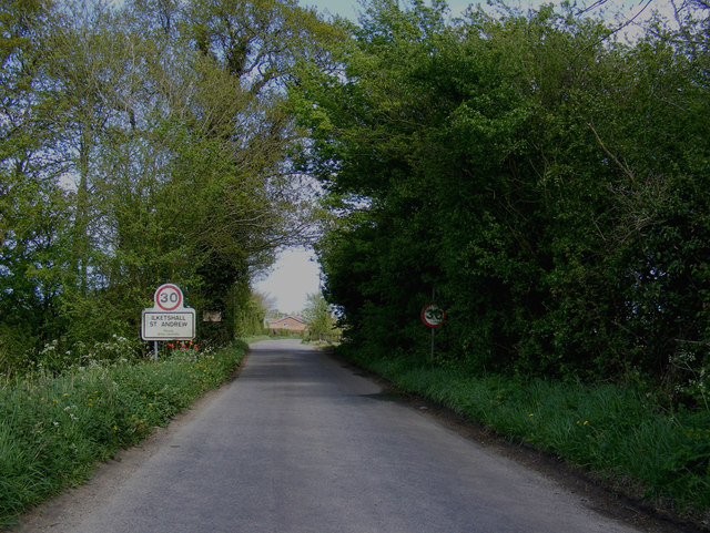 Entering Ilketshall St.Andrew on Top Road