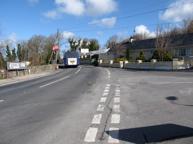 The B30 at its junction with Carrive Road