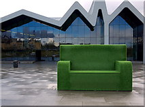 NS5566 : Outdoor seat, Glasgow by Rossographer